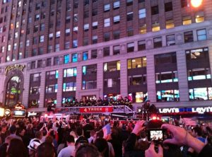 "A person posted this Twitpic of the Times Square, captioning it, ""love this pic from Times Square""."